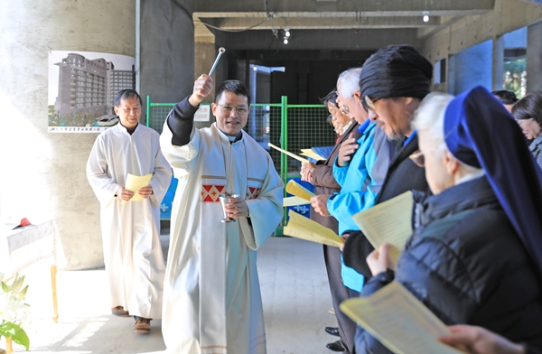 FJCU Holds Blessing Ceremony for New Yisheng Dormitory